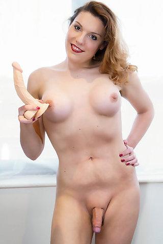 Nikki Vidic Shemale Porn