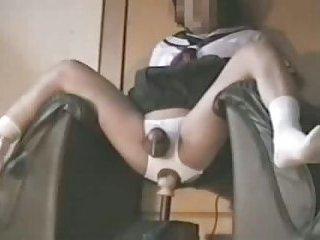 Cumshot ohne Hände während Sex mit einer Maschine