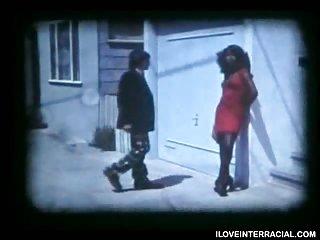 Wunderschöner Vintage-Schwarz Transsexuelle ficken