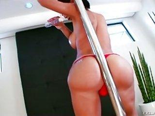 Sabrina Suzuki Streifenstange