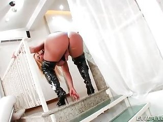 MEGATITranssexuelle Pamela Falcao posiert nackt