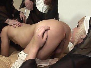 Typ von Nonnen dominiert