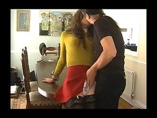 Adrettes Mädchen hat Spaß mit Freund (Lucy Robbins & Will Rok)