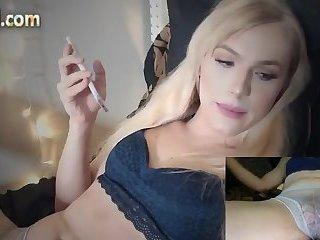 Blonde amerikanische Transe raucht
