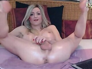german shemale babe with sexy feet legs plays with her dick on webcam